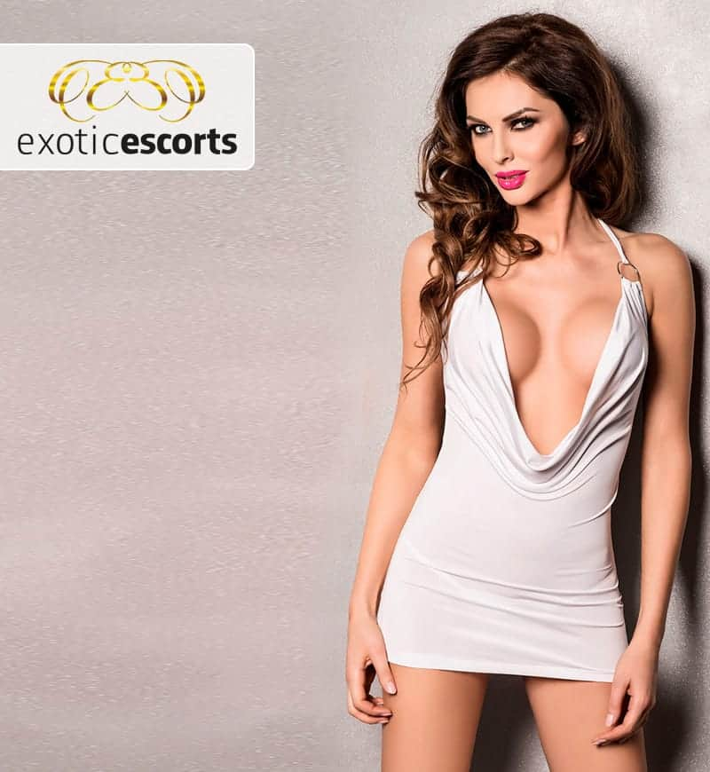 Kleid_Minikleid_mit_tiefem_Ausschnitt_weiss---Exotic-Escorts